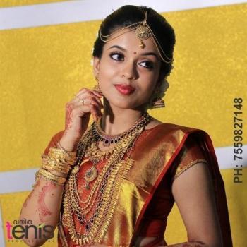 Vanitha Tenis Professional Beauty Parlour in Varapuzha, Ernakulam