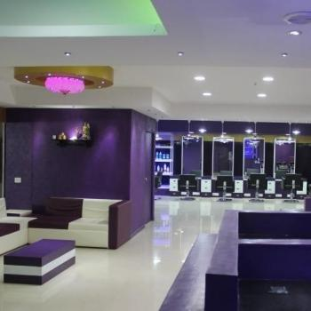 Billion Dollar Head Unisex Salon in Ernakulam