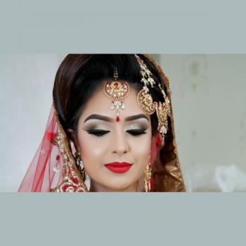POLONICA LADIES BEAUTY SALON in Kottayam