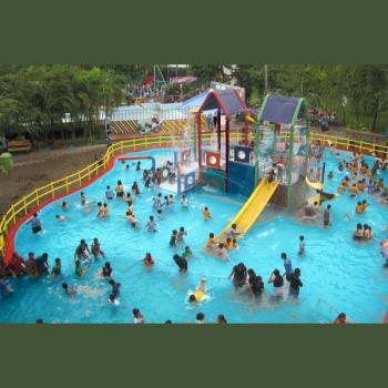 Dreamworld water park in Kolhapur