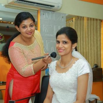 Clean Up at Eva Beauty Clinic & Spa World in Angamaly