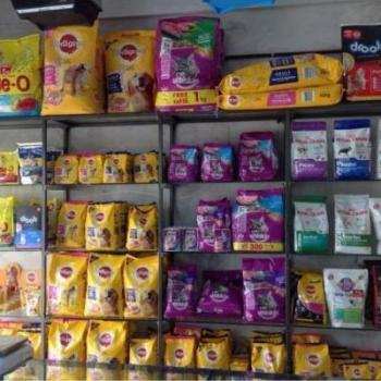 Foods For Pets at Golden Fins Aqua and Pet store in Muvattupuzha